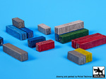 Transport containers with staff accessories set