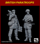1\35 British paratropers set