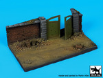 1\72 Wall with gate base