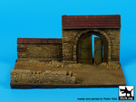 Wall with gate N°2 base (150x90 mm)