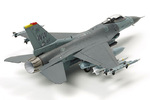 1/72 F-16 CJ Fighting Falcon w/Full Equipment