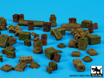 British WW II equipment accessories set
