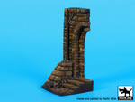 1\35 Ruined entrance with stairs base
